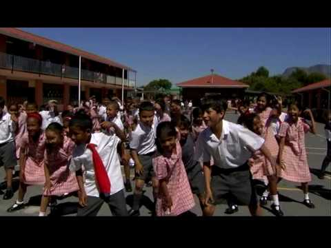 Cape Town school children doing the diski dance (Beyond the 90 Minutes)