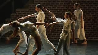 I rise in white (Dance-Inn)