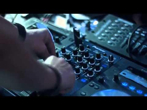 DJ Mert Hakan ft Ece Mya Get Up and Party