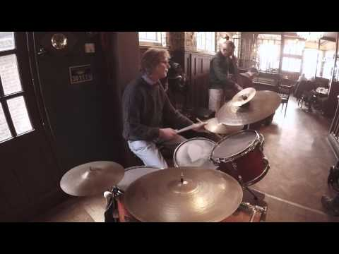 Roderick Hart Trio, Live at 'The Queen Victoria