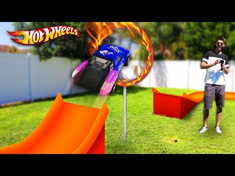 HOT WHEELS RING OF FIRE *RC CAR JUMP* (GIANT Backyard Hot Wheels Track)