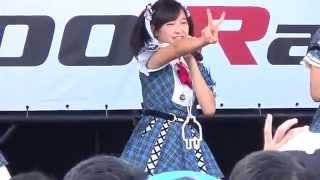 AKB48 team8によるミニライブの模様 「恋する充電プリウス」※ 橋本陽菜...