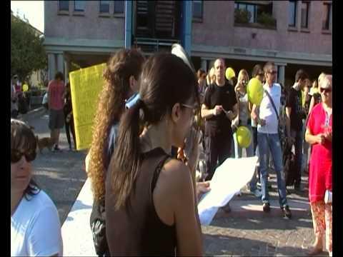 Parte 1 su 2:Marcia contro Green Hill 2 ottobre 2011