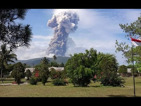 Volcano erupts on Sulawesi, the Indonesian island previously hit by a tsunami