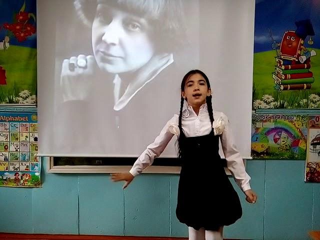 Изображение предпросмотра прочтения – КаринаНухова читает отрывок изпроизведения «Разные дети» М.И.Цветаевой