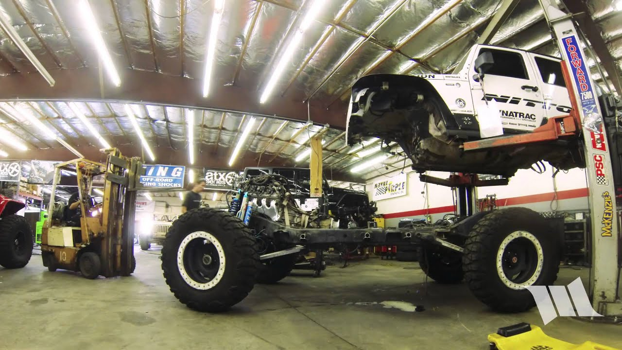 SUPERSIZING MOBY : Short Timelapse Of A Jeep JK Wrangler Motech LS V8 Motor  Swap   YouTube