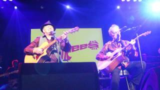 The Monkees Sometime In The Morning Live 4-25-15 at Casino Rama Orillia Ontario