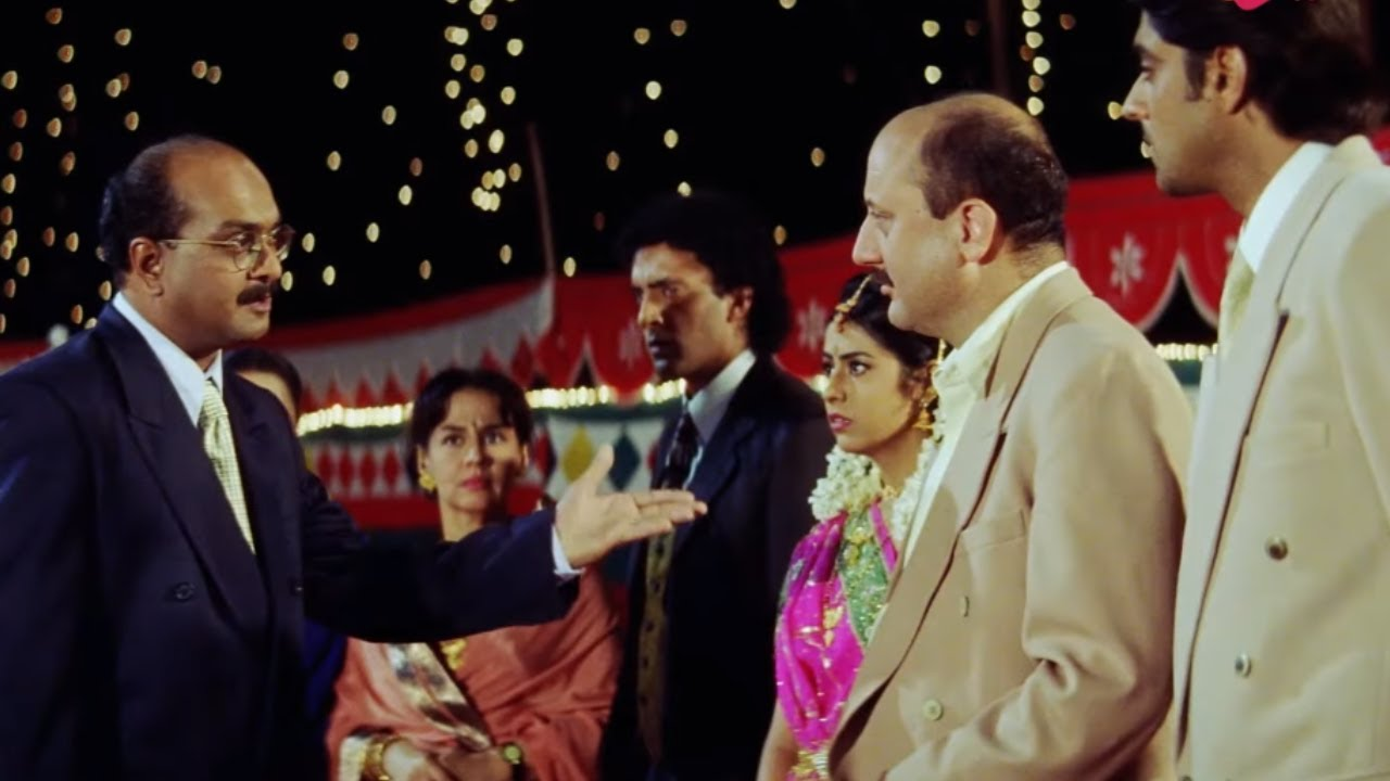 बेटी की गलती के वजा से बाप को होना पड़ा ज़लील | Priety Zinta | Kya Kehna | Movie Scene