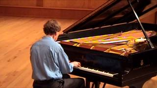 Schubert: Sonata in G major, D894, III: Menuetto