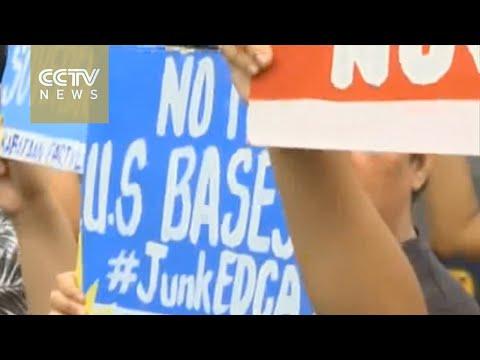 South China Sea: China's coastguard stops Filipino activists