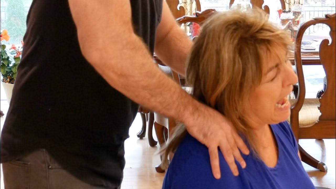 Dr Joseph Cipriano's MOM gets FULL BODY Chiropractic Adjustment
