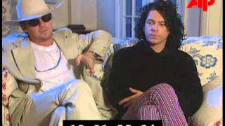 Michael Hutchence & Tim Farriss - Interview Elegantly wasted 1997