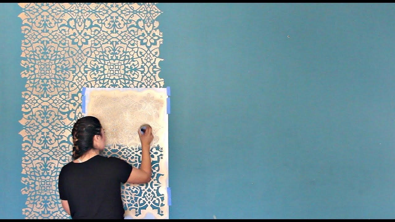How To Stencil A Diy Wallpaper Look For Less Painting A Feature Wall With Pattern For Cheap