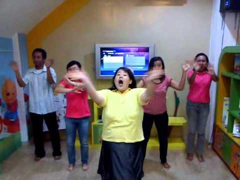 """Gerak dan lagu """"Liang zi lao hu"""""""