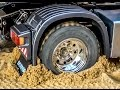 RC truck Scania 4x4 stuck! Rescue ACTION by Komatsu wheel loader! RC-Glashaus fun!