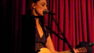 Sara Bareilles - Anchors Away (unreleased new song) live acoustic w/ukulele @ hotel cafe 010509