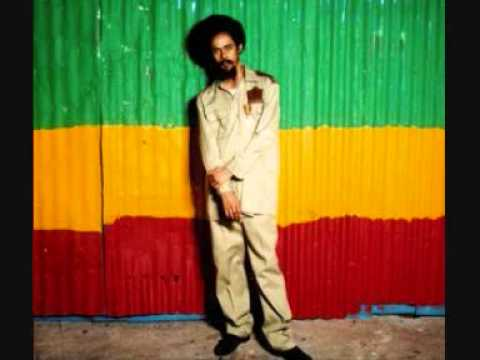 Damian Marley - Holiday