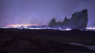 (فيديو) داعش يفجر جبل كبريت ويحوله إلى بركان بالموصل
