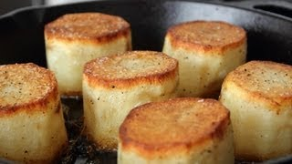 Fondant Potatoes - Crusty Potatoes Roasted with Butter and Stock thumbnail