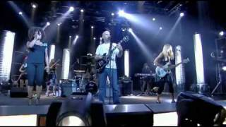 Moby - Lift Me Up (Le Live De La Semaine 02.10.2009)