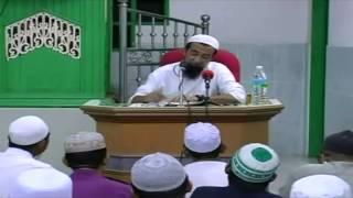 Solat tarawih berjamaah Ustaz Azhar Idrus