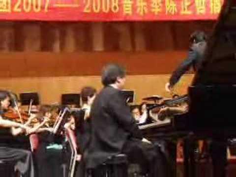 Grieg Piano Concerto 2 mvt, Yin Cheng Zong (highli...