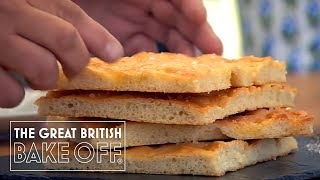 How to bake foccacia - Mary Berry & Paul Hollywood / The Great British Bake Off