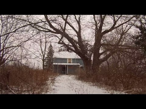 Exploring An Abandoned House On Taunton Rd - Durham Region, Ontario, Canada