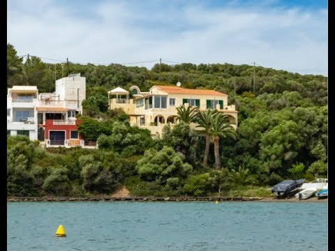 Front line villa with direct access to the sea. Port Mahón