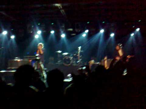 Phoenix - Playground Love (Mexico City, 2 February 2010)