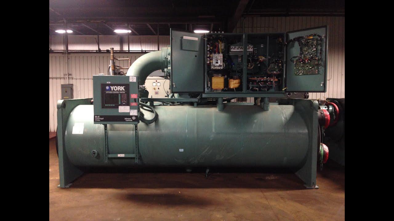 Green Industrial 690 Ton York Liquid Cooled Chiller