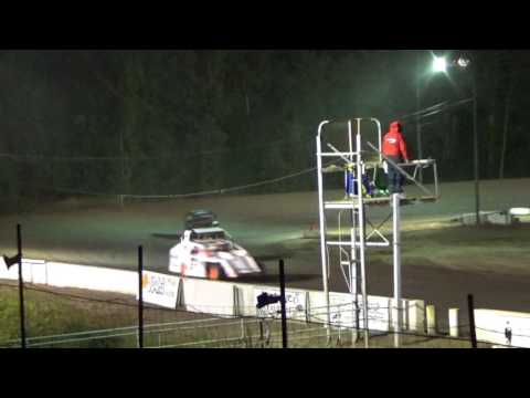 B MOD Feature race at Mt. Pleasant Speedway on 08-04-2017!