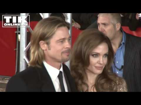 Best Of Brangelina: Kisses, love and happiness?!