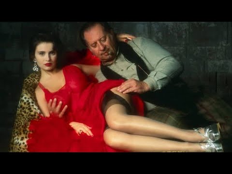 Download Paprika (1991) Movie Explained in HINDI | हिंदी में | Hollywood Movies Explain in Hindi