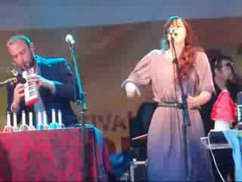 Lisa Hannigan: Free Until They Cut Me Down (FWC 2008)