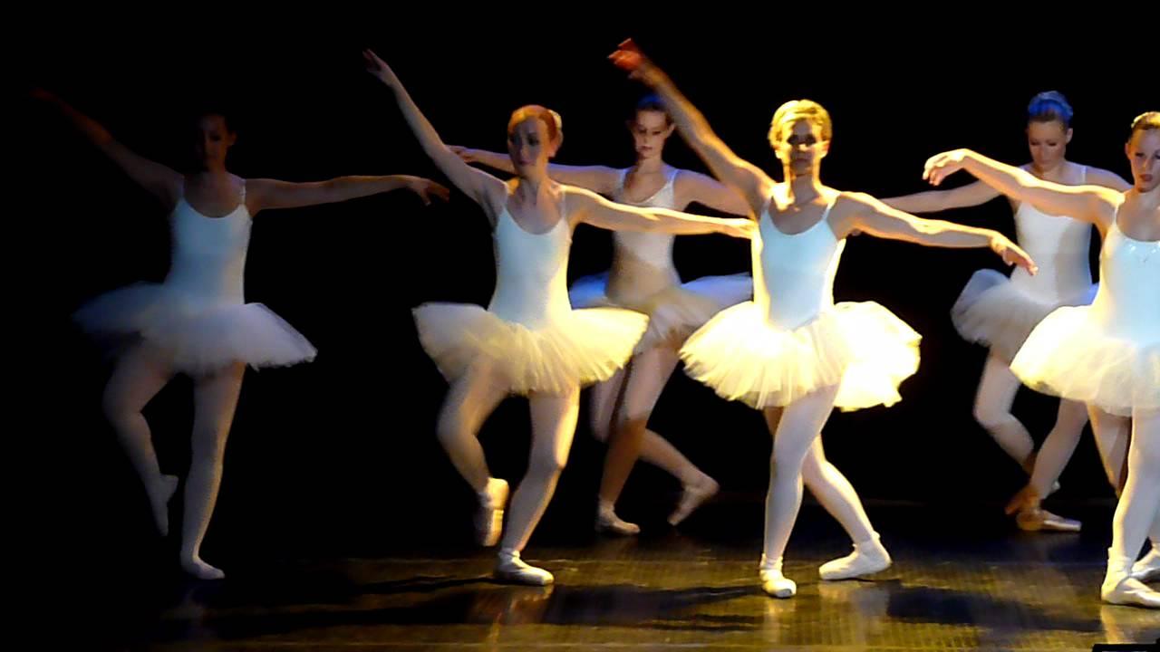 mjc duch re petit extrait du gala de danse classique le 21 mai 2011 un r gal pour les yeux. Black Bedroom Furniture Sets. Home Design Ideas