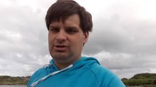 Här är en blåsig dag i badplatsen Hjälvik på Öckerö