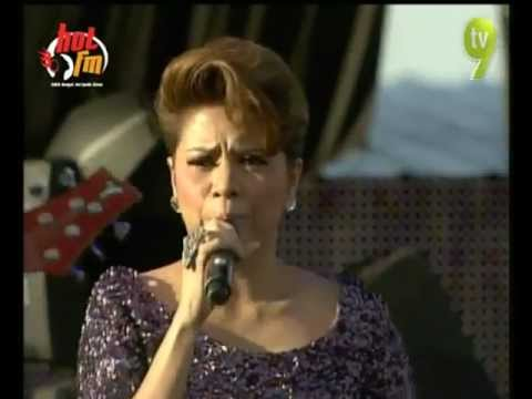 Alyah - Kisah Hati - Hotfm Big Jam 2012 (Kuala Terengganu)