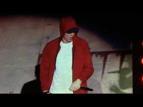 [4/14] Eminem - Kill You / White America / Mosh - live at Pukkelpop 2013