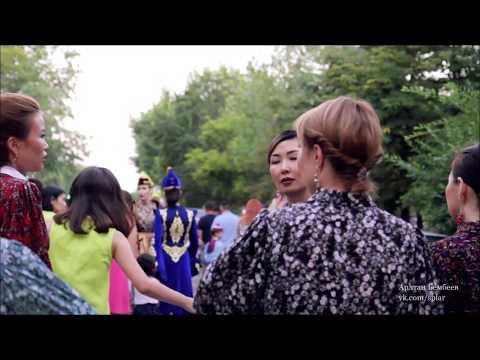 Девушка в небесном платье SHORT