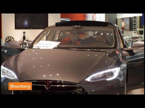 Elon Musk 'Brilliant' with Tesla Sales Concept: Nardelli