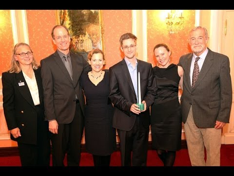 """Edward Snowden Is A Patriot: Ex-NSA CIA, FBI and Justice Whistleblowers Meet Leaker in Moscow 1/3"