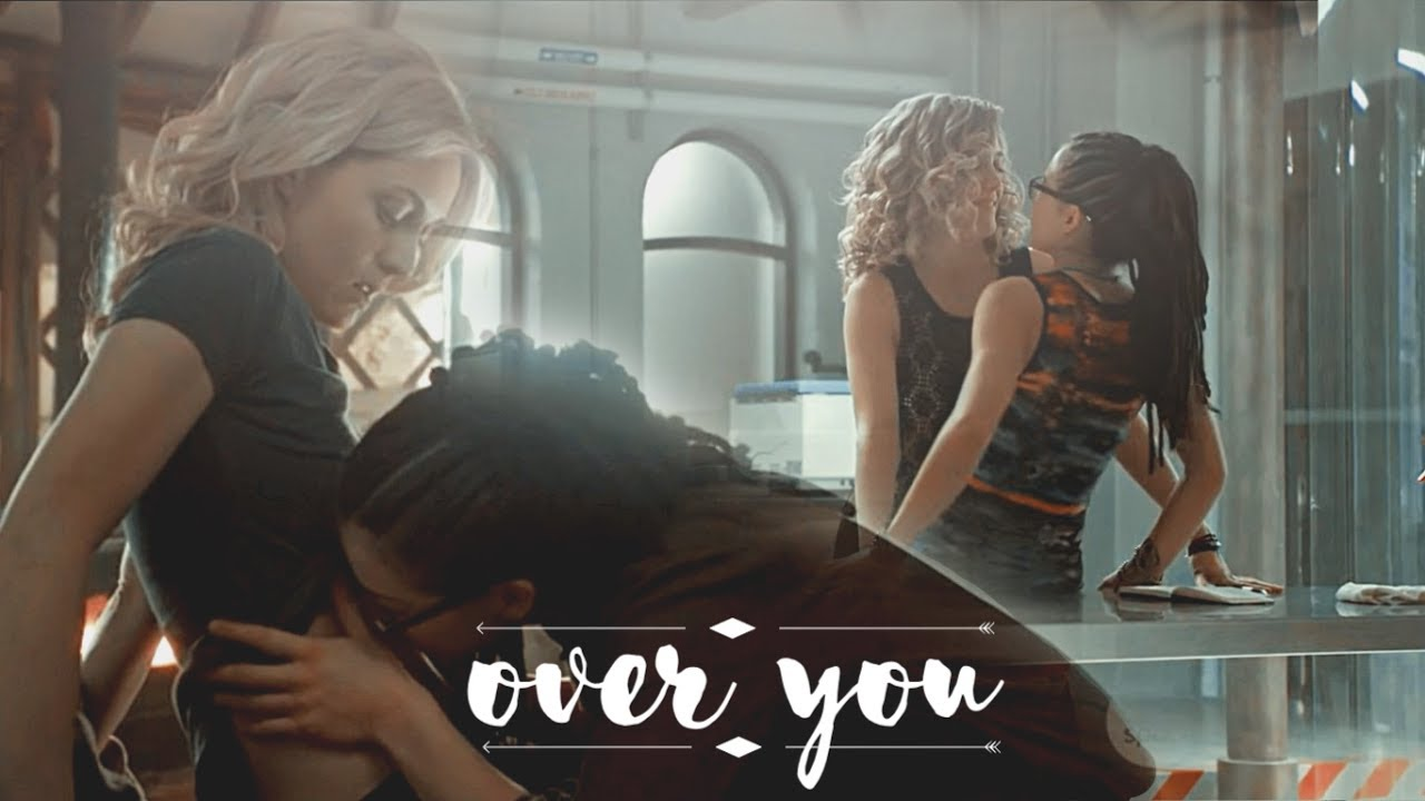 Cosima & Delphine-I'm falling around you