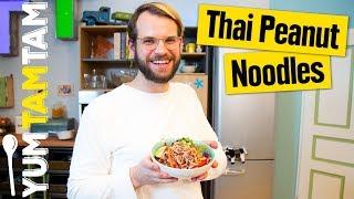 Thai Peanut Noodles // Vegane Pasta mit Erdnusssoße und Gemüse // #yumtamtam