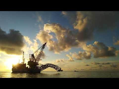 Subsea Pipelay Vessel for Deepwater