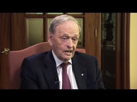 Jean Chretien on Trump presidency: 'You have to worry a bit'