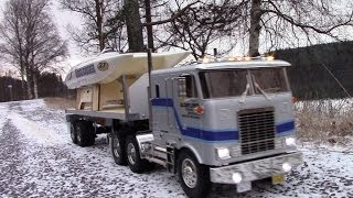 RC TRAIL WINTER GLOBE LINER SEMI TRAILER & CATAMARAN BY THE LAKE