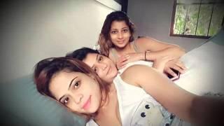නදීෂා, රුවන්ගි, මේනකා නිදියහනේ ගත් සෙල්ෆි - nadeesha, ruwangi Menaka has  bed hot selfies