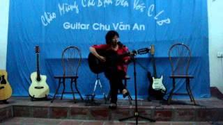 Guitar CVA .  .chiếc lá cô đơn   Thu Hiền lớp 12 chuyên Hưng Yên