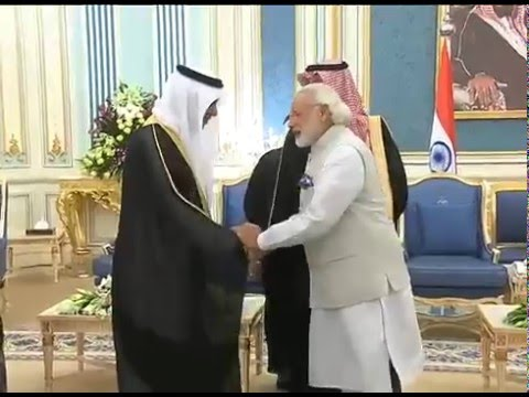 PM in Saudi Arabia, meets King Salman bin Abdulaziz